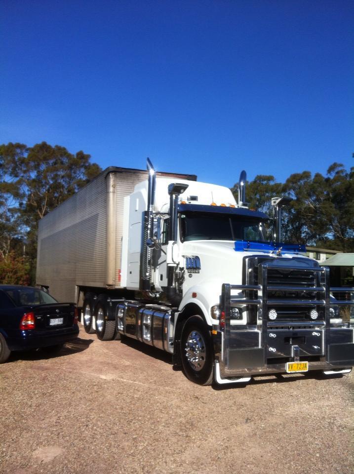 JRAC Removals MACK Truck